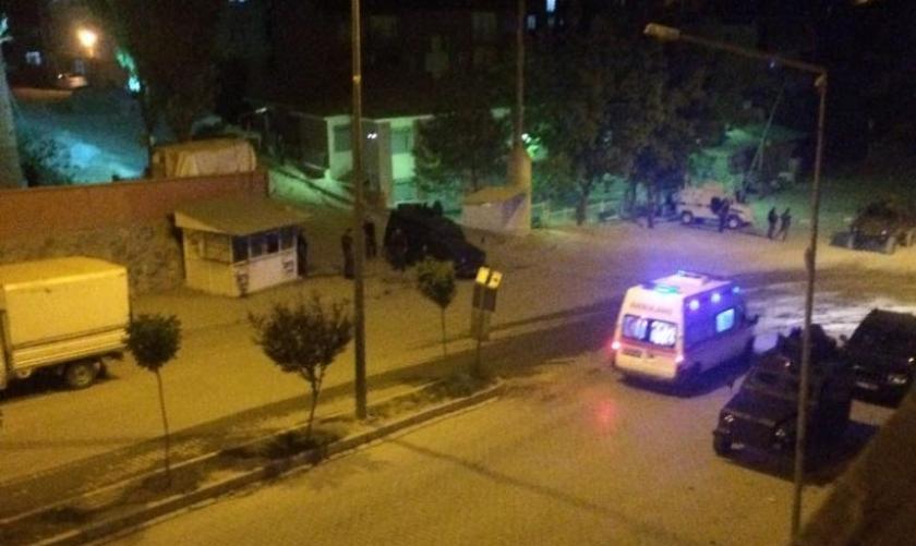 Şemdinli'de TOMA'ya saldırı: 2 polis yaralı
