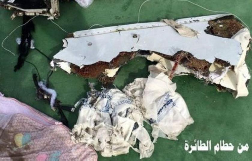 Mısır, düşen uçağın enkazından fotoğraflar yayımladı