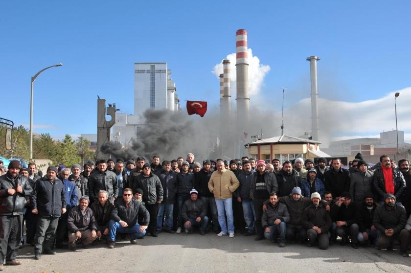 İşten atılan santral işçilerinin eylemi sürüyor