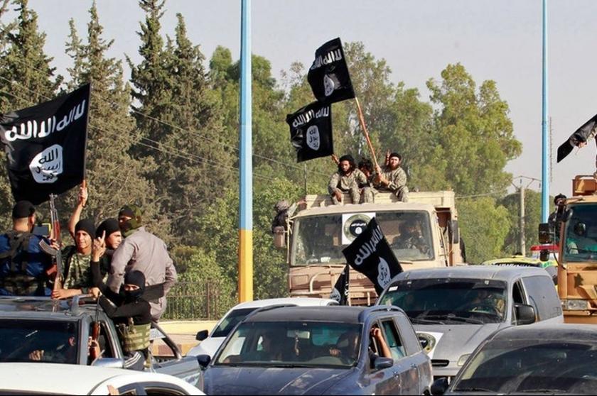 'Özbek ve Çeçen IŞİD'liler Menbic'e saldırı hazırlığında'