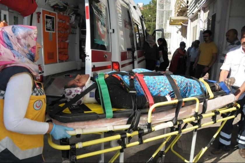 Tarım işçilerini taşıyan kamyonet kaza yaptı: 2 ölü