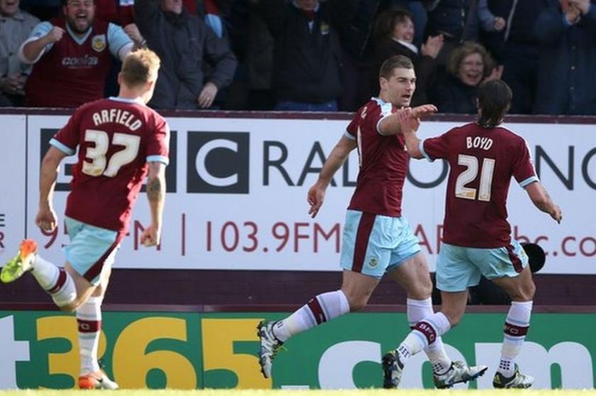 Burnley 1 yıl aradan sonra Premier Lig'e döndü