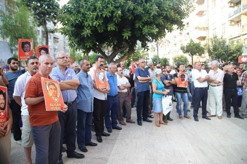 Mersin'de Suruç Katliamında hayatını kaybedenler anıldı