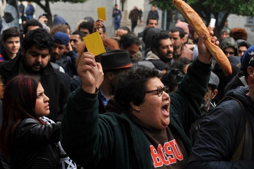 Tunuslular: Bekledik, bekledik hiçbir şey değişmedi!