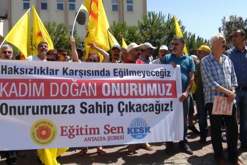 Eğitim Sen Antalya Şubesi, sürgünleri protesto etti