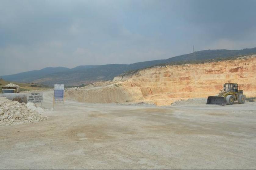 Tarım arazileri ve su kuyuları taş ocağının tehdidi altında
