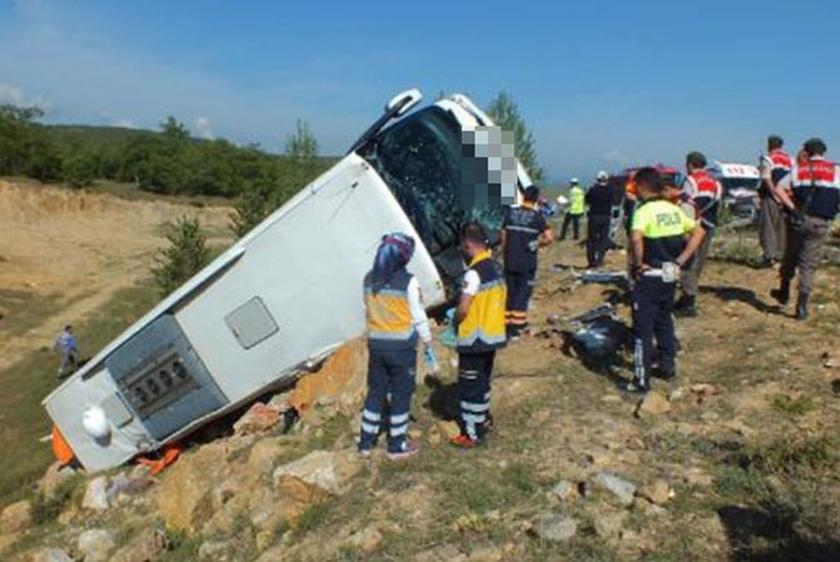Yozgat'ta otobüs devrildi: 3 ölü, 15 yaralı