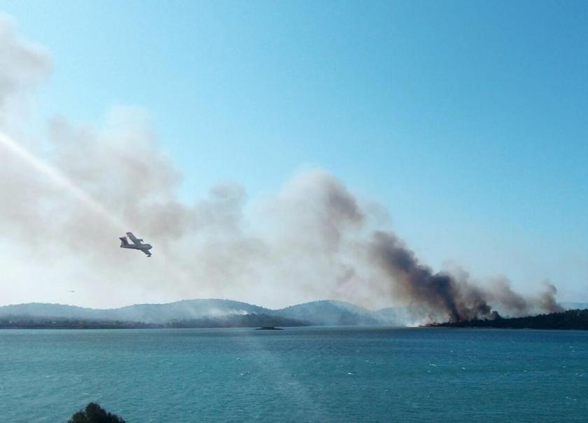 Ayvalık'ta yanan alanlar dozerlerle tahrip mi ediliyor?