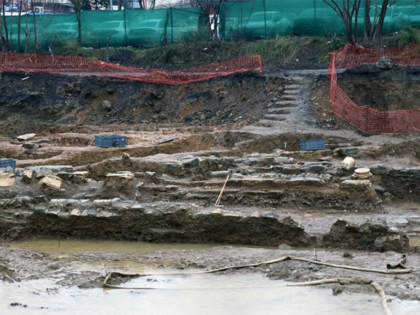 Kadıköy'deki otel inşaatında tarihi kalıntılar bulundu