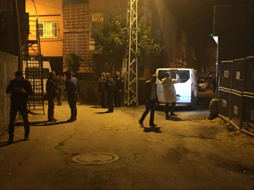 Adana'da polis karakolu karşısında ses bombası patlatıldı