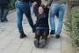 Semih Özakça'nın annesi yerde sürüklenerek gözaltına alındı