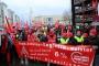 Almanya'da 2 binden fazla fabrikada uyarı grevi yapıldı