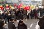 Kapatılan Özkanlar Pazarı esnafı eylem yaptı