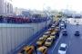 Taksicilerin ulaşım şebekesi tekeli Uber'e isyanı sürüyor