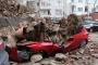 Beşiktaş'ta istinat duvarı çöktü, 2 katlı bina boşaltıldı