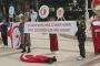 KKTC'de ilkokul çocuklarına asker cenazesi mizanseni