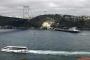 İstanbul Boğazı'nda dümeni kilitlenen 225 m'lik gemi yalıya çarptı