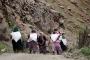 Çukurca'da yolları yasaklanan berivanlar zorluk çekiyor
