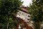 Beyoğlu Sütlüce'deki toprak kayması sonrası 4 katlı bina çöktü