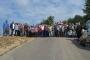 Sürmene'de yurttaşlar, çöp depolama alanının taşınması için yol kesti