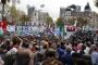 Arjantin'de başkan diz çöküyor, emekçiler ayakta!