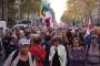 Fransa'da emekliler kesintilere karşı zam talebiyle sokaklara çıktı