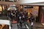 Alışveriş merkezinde yürüyen merdiven kazası: 28 öğrenci yaralı