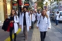 Genç hekimler çalışma haklarını istiyor: Emeklerimiz yok sayılıyor
