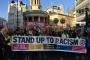 İngiltere'de on binlerce kişi ırkçılığa karşı sokağa çıktı