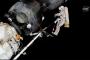 Kozmonotlar Soyuz MS-09'da oluşan delikten örnekler topladı