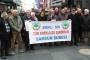Emekliler maaşlarına yansıtılan enflasyon farkını protesto etti