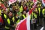 Almanya'da 8 havalimanında güvenlik personelleri bir günlük grevde