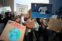 İngiltere'de binlerce öğrenci iklim değişikliğine karşı ders bırakıyor