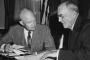 """1954 Guatemala darbesi: ABD eliyle """"10 yıllık bahar""""dan iç savaşa"""