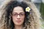 İranlı Alinejad: Müslüman kadınların ezilmesinin simgesini kullanmayın
