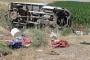 Tarım işçilerini taşıyan pikap devrildi: 1 çocuk işçi öldü, 34 yaralı