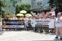 İzmir'de hekimlere yönelik şiddet protesto edildi