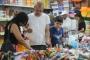 Adana'da okul alışverişi yapan veliler: En ucuzunu bulabilmek için uğraşıyoruz
