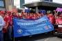 İş Bankası önünde sendika düşmanlığı protestosu