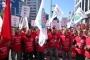 4 aydır maaş alamayan Zeytinoğlu Grup işçileri TMSF önünde eylem yaptı