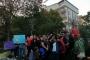 14 yaşındaki çocuğun diş hekimi tarafından istismar edilmesi protesto edildi