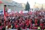Almanya'da binlerce metal işçisi miting düzenledi: İşten atmalara hayır