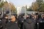 Sur Belediyesi eş başkanlarının tutuklanması eylemine abluka, gazetecilere kalkan