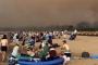 Avustralya'da yangından kaçan 4 bin kişi sahile sığındı