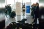 Fransa'da avukatlar adalet bakanı konuşurken cübbelerini yere attı