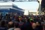 Metal işçileri MESS dayatmalarına karşı fabrikalarında bir saat iş bıraktı