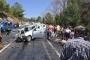 Eriyen asfaltta kayan minibüs kaza yaptı: 4 ölü, 6 yaralı