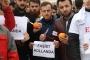 AKP'liler Hollanda'yı portakal sıkarak protesto etti