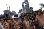 Brezilyalı yerliler toprakları için sokağa döküldü