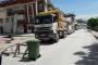 Hafriyat kamyonlarının geçişini barikatla engellediler